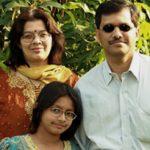indian_family.jpg