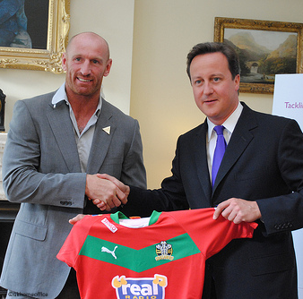 pm_and_rugby_star_gareth_thomas.png