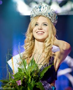 monika-lewczuk-miss-supranational-2011.png
